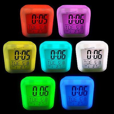 LED Multifunktion Würfelwecker Alarmwecker Farbwechsel Wecker + Thermometer