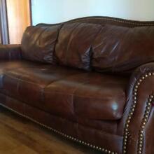 Brown studded leather sofa. Vintage, antique style Mandurah Mandurah Area Preview