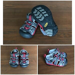 KEENS Seacamp II CNX size 5 toddler $25 LIKE NEW