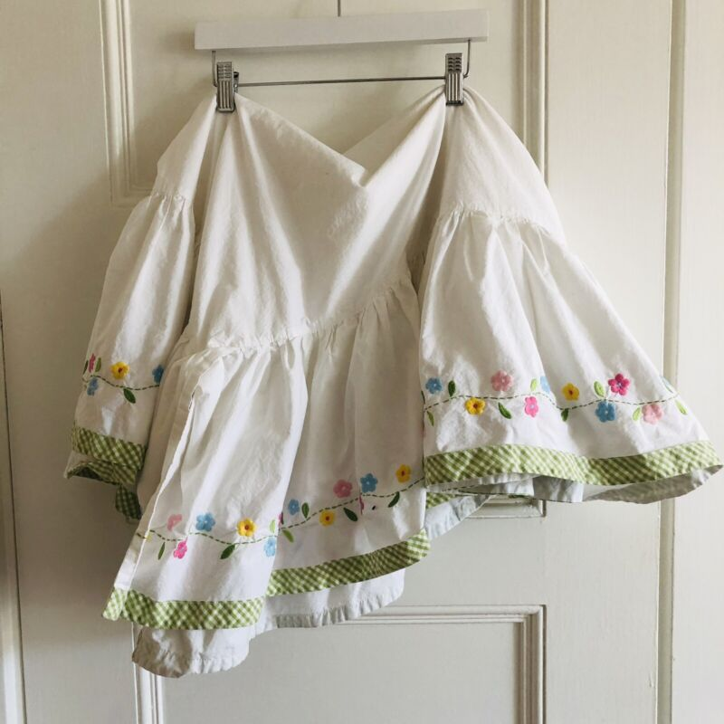Pottery Barn Crib Dust Ruffle Floral Embroidered