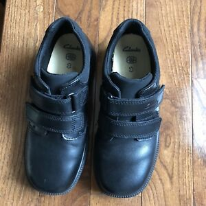 Boys black shoes, size 2.5 (Clark's)