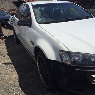 Holden commodore for wrecking  Brendale Pine Rivers Area Preview