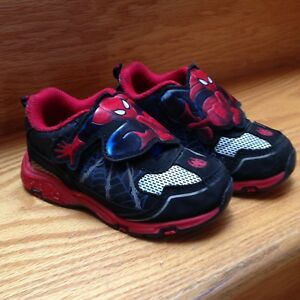 Toddler 7 spider-man running shoes