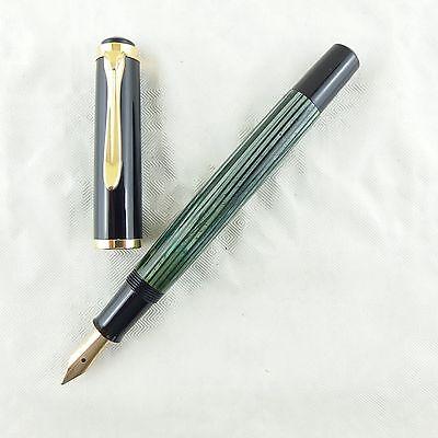 Pelikan Kolbenfüller 400 grün gestreift mit 585 Goldfeder OM