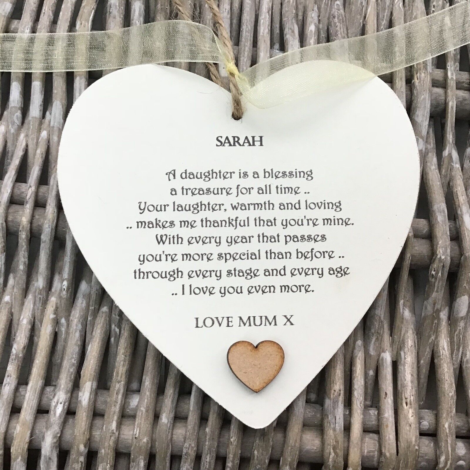 Shabby personalised Gift Chic Heart Plaque Special DAUGHTER Present ANY NAME Mum