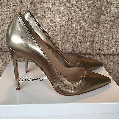 Manolo Blahnik BB Metallic Gold Leather Point Toe Pumps Size 38 $595