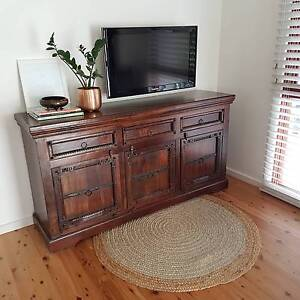 Beautiful and elegant design solid wood cabinet/ buffet. Bossley Park Fairfield Area Preview