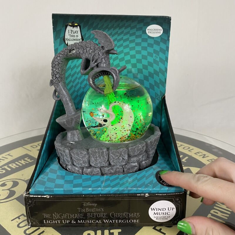 Disney Nightmare Before Christmas Exclusive Light Up Musical Water Globe *Read