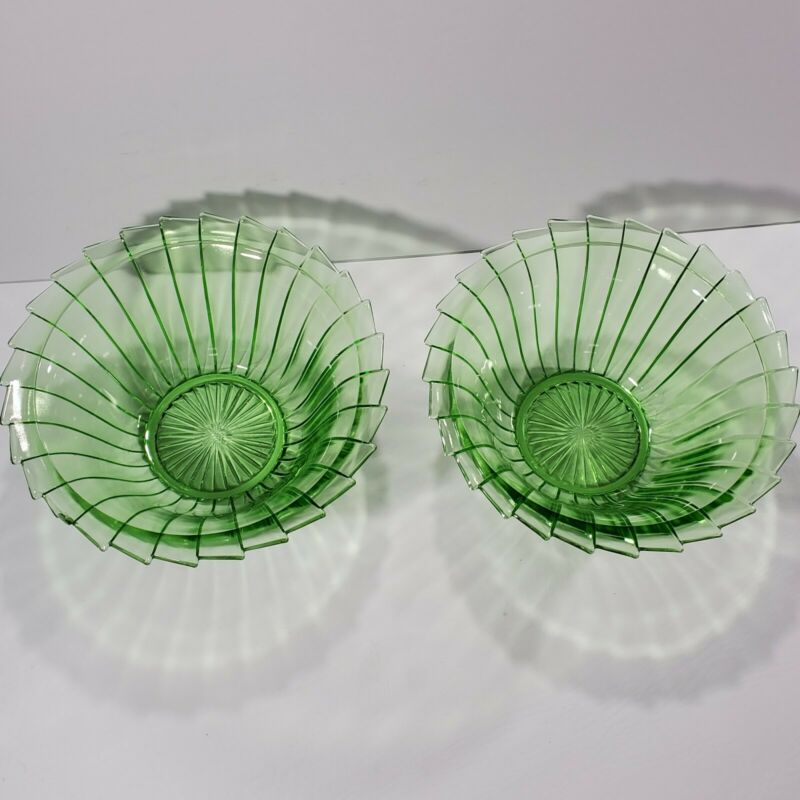 Lot of 2 Jeannette Sierra Pinwheel Green Depression Glass Bowl 8.5 Inch CHIPPED