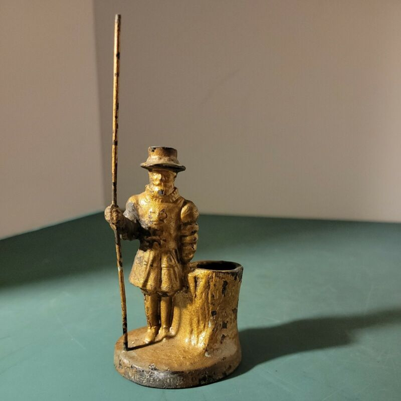 ANTIQUE Souvenir Beefeater Figure Cast Metal 1888 Match Holder Safe Tobaciana