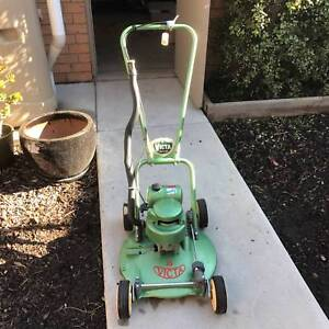 """Victa 18"""" 'Toe Cutter' Lawn Mower (1 of 2 for sale) Altona Meadows Hobsons Bay Area Preview"""