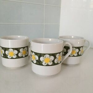 3 Vintage White Daisy Mugs - Made in England