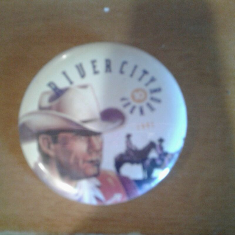 """Button Pin Vtg. River City Roundup 2 """" Cowboys 1991"""