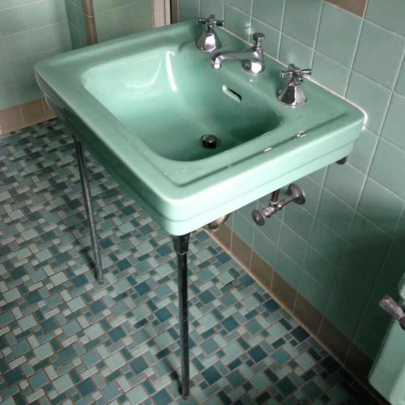 Vintage American Standard 1930s green console sink with chrome legs. Beautiful