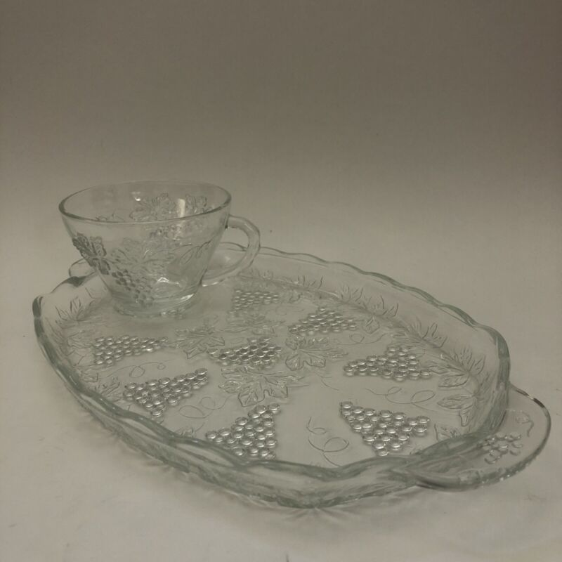 Anchor Hocking Vintage Serving Snack Trays Cup Grape Design 4 Sets