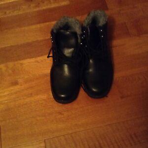 Dexter black winter boots waterproof, great winter boots