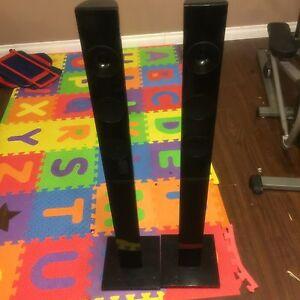Samsung speakers,sub and DVD player  London Ontario image 1