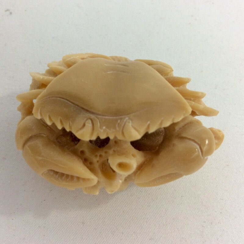 Vintage Tagua Nut Crab Marine Figurine Hand Carved With A Lot Of Details.