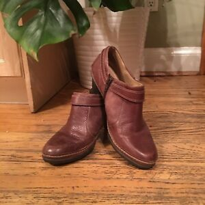 Naturalizer ankle booties, size 9.5