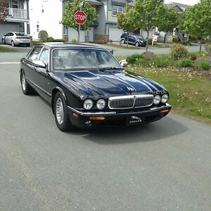 Jaguar - 1998 XJ8 Vanden Plas