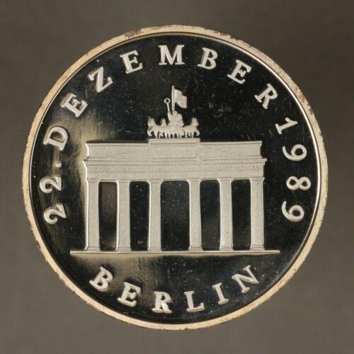 East Germany 1990 20 Mark Cameo Proof  Brandenburg Gate