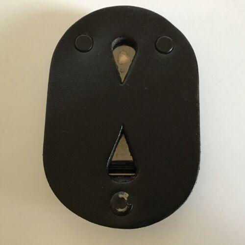 DUTYMAN Clip On Badge Holder OVAL * 5301U * VGC