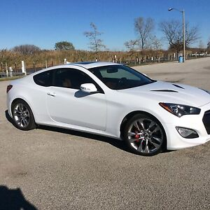 """Genesis Coupe 19"""" staggered wheels with tires"""