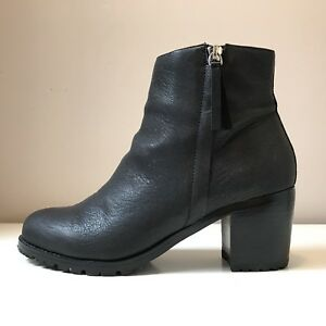 BNIB Le Chateau Black Leather Boots - Size 40 - Fits Like a 9
