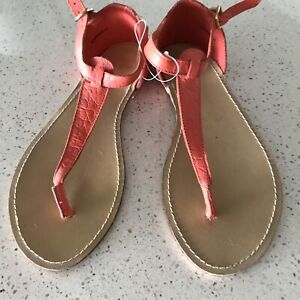 Leather thongs - sandals with back support Woody Point Redcliffe Area Preview