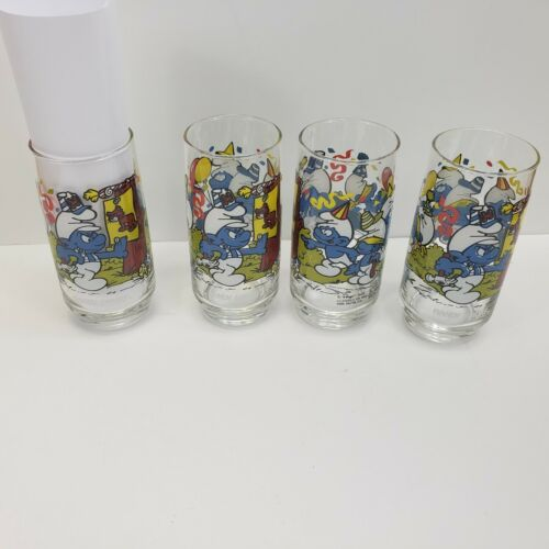 Lot of 4 Smurfs 1983 Peyo Wallace Berrie HANDY SMURF Tumbler Drinking Glass NOS