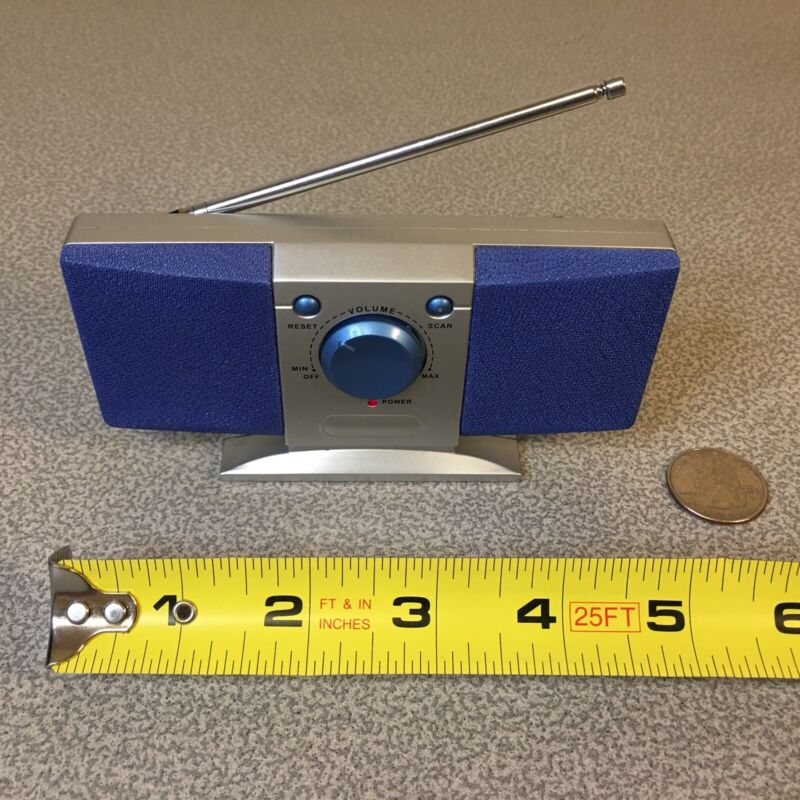 Tiny FM Radio Small Rare Collectible 5 x 2.75 x 1.25 inches 3.5 oz TESTED WORKS