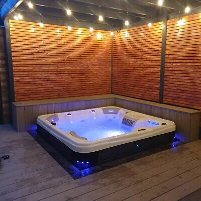 4 PERSON HOT TUB LUXURY SPA THE 4500 BALBOA CONTROLS MUSIC LED LIGHTS IN STOCK 1
