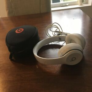 Beats solo 2 headphones-barely used (wired, not Bluetooth)