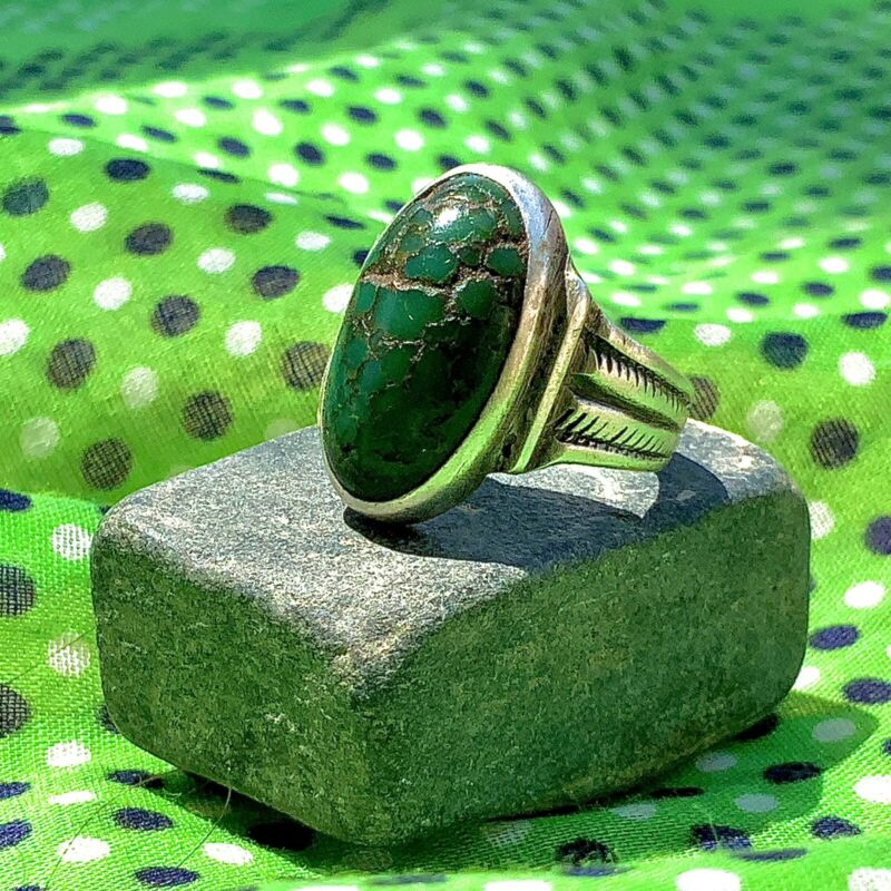 1900s Ingot Silver Navajo Chiseled Carved Band Ring WATERWEBBED Green Turquoise