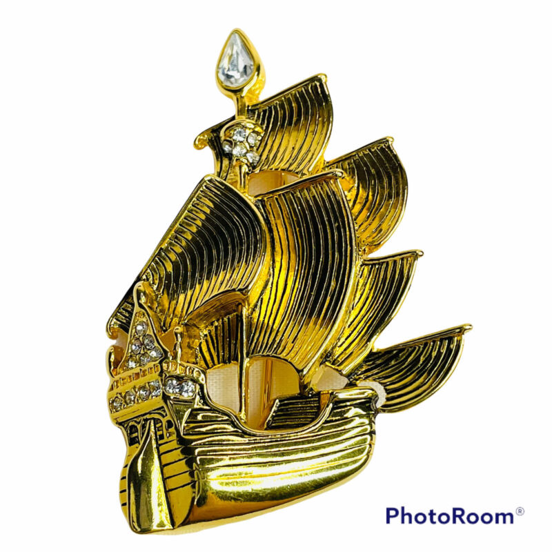 Vintage Disney Brooch The Jolly Roger Pirate Ship Captain Hook Peter Pan Pin