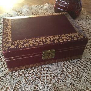 Rétro Vintage Boîte bijoux Coffret cuir rouge vin