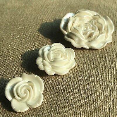 20/24/36mm 3D Pearl White Rose Flower Shank Button Crafts Decoration Project ()