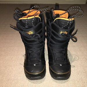 Snowboard boots- Northwave force black US size # 8