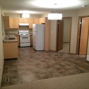 BEAUTIFUL 3 BED 2 BATH CENTRAL LOCATION UTILITIES INCLUDED!!!