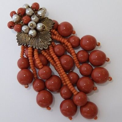 VINTAGE ART DECO MIRIAM HASKELL BEADED FAUX CORAL ART GLASS PEARL DRESS CLIP