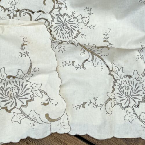 Vintage Tablecloth Napkins Madeira Cutwork Floral Ecru Embroidery 7 Piece Set