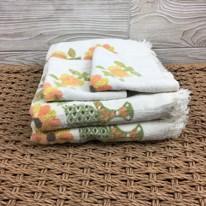 Vintage 1970's Fieldcrest Set Of Bath Towels And Washcloths White Yellow Floral