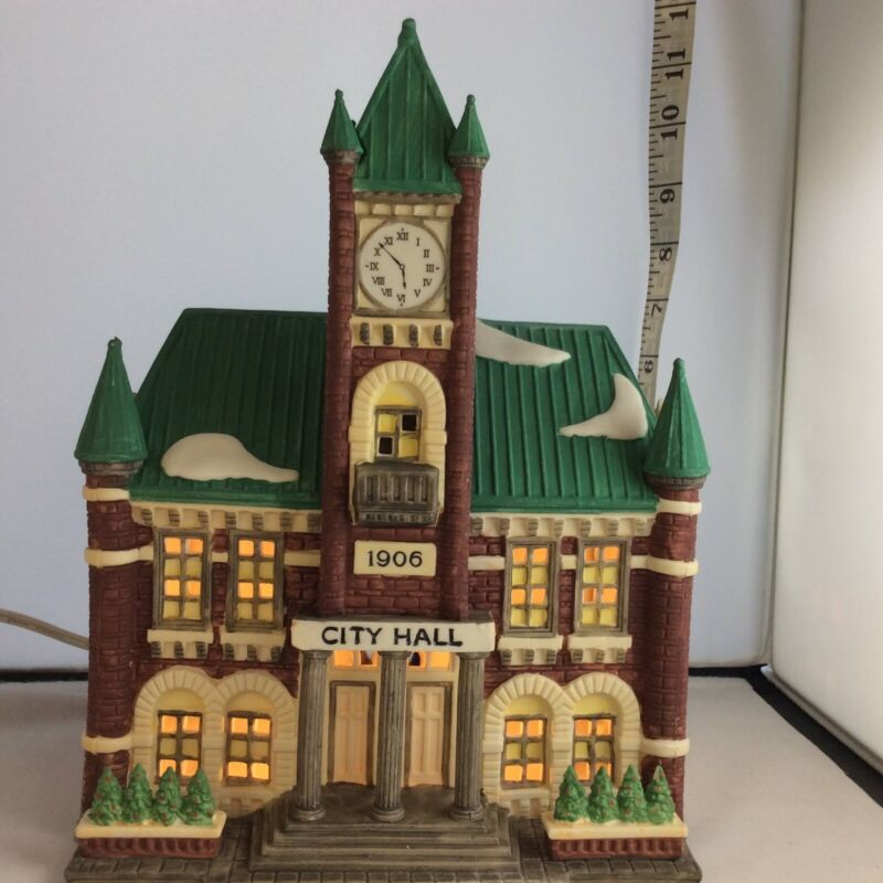 Dept 56 Heritage Village Christmas in the City Series 5969-2 City Hall in Box