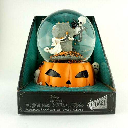 Nightmare Before Christmas Musical Light-Up Snowglobe Jack and Zero
