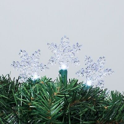 Christmas Decor 30 Clear Indoor/Outdoor Snowflake Lights (Green Wire) ()