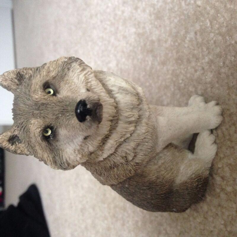 Sandicast Wolf Figurine