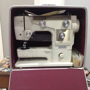 Sewing machine Green Valley Liverpool Area Preview