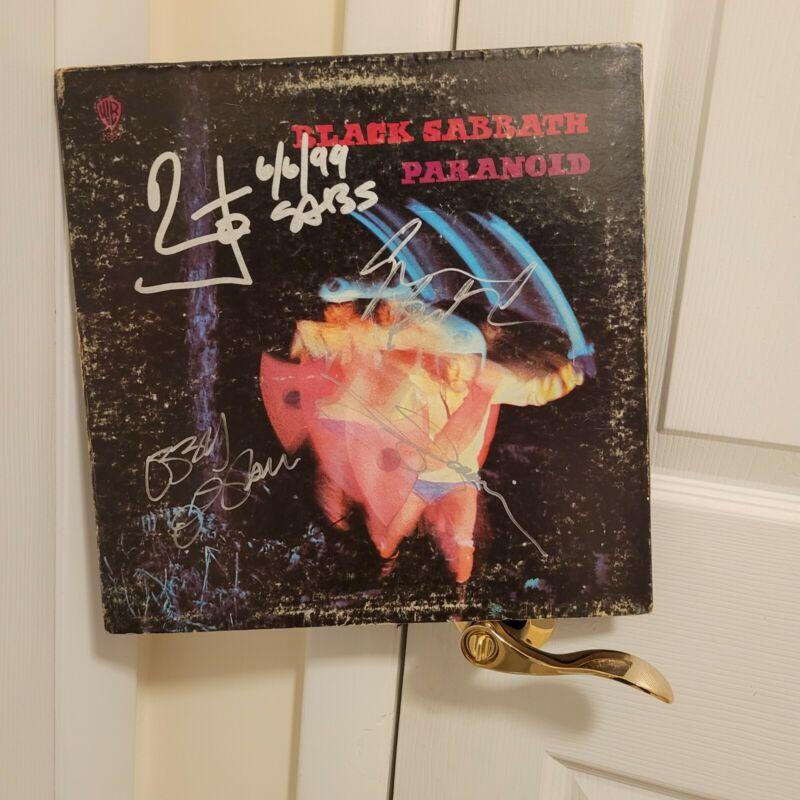 Black Sabbath signed lp ****Paranoid **1970**4 members ** Green Label****