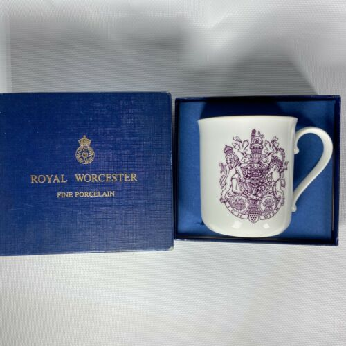 VINTAGE 1981 ROYAL WORCESTER CHARLES DIANNA COMMEMORATIVE MUG MADE IN ENGLAND