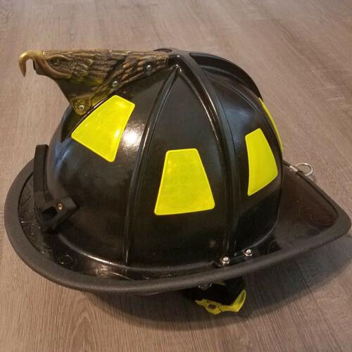 Cairns 1044 Fire Helmet Black NFPA OSHA w/ Defender Visor Structural C-TRD NOS